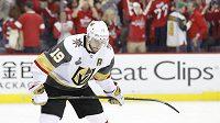 Zklamaný útočník Vegas Golden Knights Reilly Smith ve čtvrtém finále Stanley Cupu.