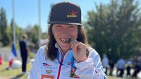 Tereza Fišerová se svým premiérovým zlatem ze Světového poháru.