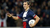Útočník Paris St. Germain Zlatan Ibrahimovic slaví gól proti Nice.