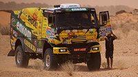 Kamión Martina Macíka během dobrodružného testování v Tunisku.