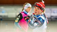 Česká biatlonistka Eva Puskarčíková rozbíhala českou smíšenou štafetu a nevedla si špatně.