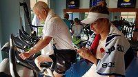 V rámci tréninku se česká tenistka Markéta Vondroušová potkala na US Open i s legendárním Johnem McEnroem.