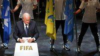 Prezident FIFA Sepp Blatter během svého projevu na svou obhajobu.