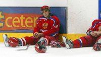Ruský hokejista Sergej Ogorodnikov (na snímku po finále MS dvacítek v roce 2006) našel smrt ve vlnách.