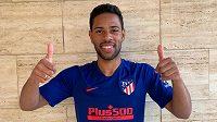 Brazilský fotbalista Renan Lodi z Atlétika Madrid se nakazil nemocí covid-19.