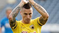 Evropská fotbalová unie zahájila disciplinární řízení s obráncem AEK Atény Ognjenem Vranješem