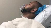 Thiago Santos pár minut po operaci. Teď už mu je lépe, ale na další zápas v kleci si ještě musí počkat.