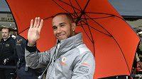 Spokojený Lewis Hamilton