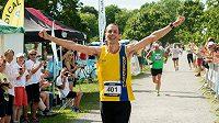 Další cíl, další úspěšný závod. Steve Way dokázal změnit svůj život, pomohlo mu běhání.