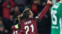 David Lafata a Aleš Čermák oslavují gól Sparty proti Bohemians.