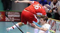 Milan Garčar v souboji s americkým hráčem na mistrovství světa