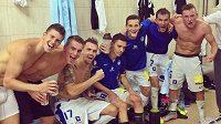 Fotbalisté Liberce slaví v šatně ve Splitu postup do Evropské ligy.