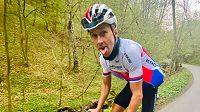 Biker Ondřej Cink během tréninkové jízdy dlouhé 351,55 kilometrů.