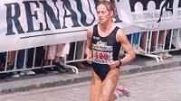 Pražský mezinárodní maraton ‒ první vítězkou vůbec byla Ukrajinka Svetlana Tkach.