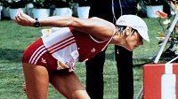 Zlomená, ale nikoli poražená. Gabriela Andersenová-Schiessová těsně před cílovou čárou.