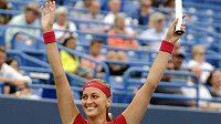 Tenistka Petra Kvitová se raduje z vítězství nad Slovenkou Magdalénou Rybárikovou.