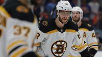 Zklamání z vyřazení Bostonu z play off NHL musela překousnout i česká hvězda Bruins - David Pastrňák.