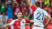 Fotbalisté pražské Slavie Jan Bořil (vlevo) a Milan Škoda slaví gól proti Levadii Tallin v odvetě 2. předkola Evropské ligy.