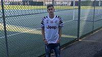 Roman Macek v dresu Juventusu v tréninkovém komplexu italského klubu.