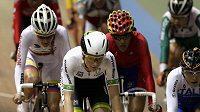 Bodovací závod v na šampionátu dráhové cyklistiky v Cali ovládla jednadvacetiletá Amy Cureová (v popředí.