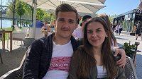 Fotbalový obránce Slovanu Bratislava Jurij Medveděv s přítelkyní Simonou.