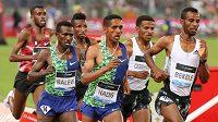 Etiopský vytrvalec Abadi Hadis (třetí zprava) na snímku z loňského závodu Diamantové ligy v Římě na 5000 m, vepředu jeho krajan Telahun Haile Bekele.