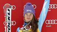 Nadšená slovinská lyžařka Tina Mazeová