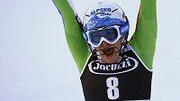 Slovinská lyžařka Ilka Štuhecová se raduje z vítězství v kombinačním závodě.