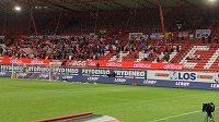 Fanoušci klubu SK Brann Bergen se nestačili divit, jak si hráči užívají, i když se klubu nedaří.