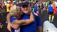 Kim Stempleová se svým manželem na jednom ze závodů.