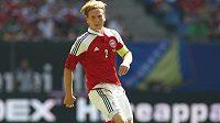 Christian Poulsen při květnovém přátelském utkání fotbalistů Dánska proti Brazílii