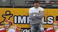 Ještě v pátek a poté stěhování do Edenu. V O2 aréně se Slavii nedařilo v této sezóně, ví to i trenér Vladimír Růžička.