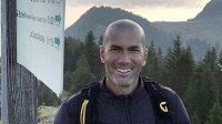 Zinédie Zidane si zatím může užívat volna a věnovat se třeba i výšlapům do hor.