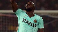 Kanonýr Interu Milán Romelu Lukaku slaví vstřelený gól.