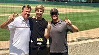 Syn tenisových legend Steffi Grafové a Andreho Agassiho se rozhodl jít ve sportu jinou cestou než jeho rodiče. Patnáctiletý Jaden zkusí prorazit v baseballu. Na instagramu oznámil, že od roku 2020 bude nastupovat za tým University of Southern California.
