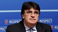 Nový generální sekretář UEFA Theodore Theodoridis z Řecka.