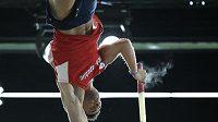 Jan Kudlička během finále skoku o tyči na halovém mistrovství světa v Portlandu.