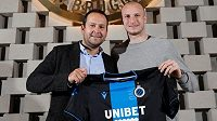 Útočník Brugg Michael Krmenčík společně s Danielem Smejkalem, manažerem agentury IFM-M, která českého útočníka zastupuje.