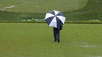 Golfisté kvůli dešti nedohráli turnaj PGA v Newtown Square.