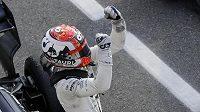 Francouz Pierre Gasly v obrovské euforii po triumfu na GP Itálie.