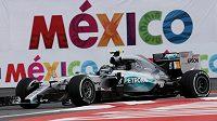 Pilot stáje Mercedes Nico Rosberg při kvalifikaci na GP Mexika.