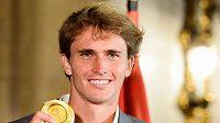 Německý tenista Alexander Zverev vybojoval v Tokiu zlatou olympijskou medaili