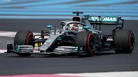 Lewis Hamilton při prvním tréninku na Velkou cenu Francie formule 1.