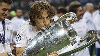 Chorvatský záložník Luka Modrič v sobotu vyhrál s Realem Madrid Ligu mistrů.