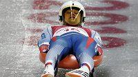 Ondřej Hyman při jízdě v olympijském tobogánu.