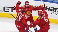 Ruští hokejisté slaví, na MS hráčů do 20 let vyhráli v prodloužení nad Švédskem.