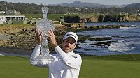 Kanadský golfista Nick Taylor vyhrál turnaj Pebble Beach Pro-Am.
