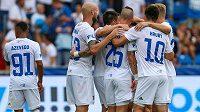 Fotbalisté Baníku Ostrava se radují z gólu v duelu s Bohemians.
