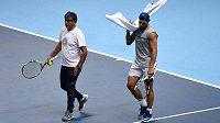Rafael Nadal a jeho strýc Toni během tréninku na Turnaji mistrů.