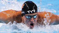 Hvězdný americký plavec Ryan Lochte během národní kvalifikaci v Omaze.